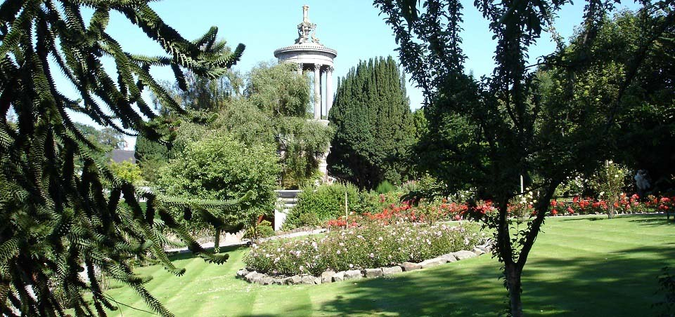 Burns Memorial Alloway Gardens image