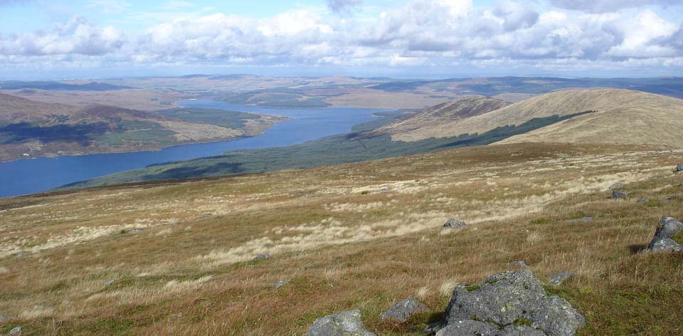 Loch doon from Meaul hill image